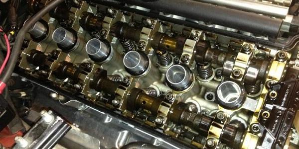 Стоит ли применять промывочное масло для двигателя?