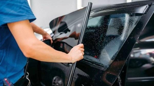 Такие разные пленки для тонировки стекол автомобиля