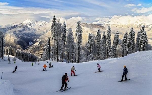 Зимний отдых в Сочи — горы, лыжи и море