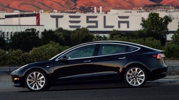 Tesla Motors – гаджеты на четырех колесах